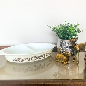 Pyrex Golden Acorn Divided Dish